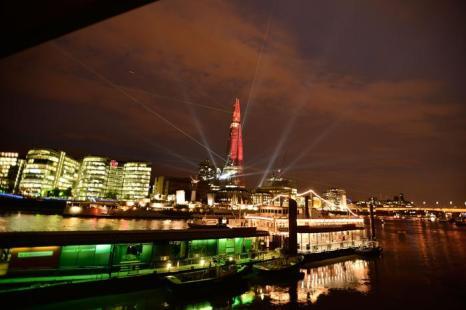 Лазерное шоу к открытию самого высокого небоскреба в Европе, The Shard в Лондоне 5 июля 2012 г. Фото: Matthew Lloyd/Getty Images
