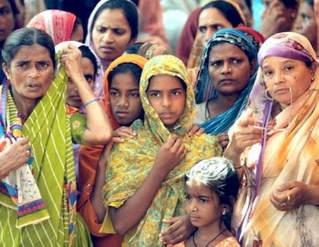 Население Индии увеличивается, но  рождаемость девочек уменьшается. Фото: NARINDER NANU/AFP/Getty Images