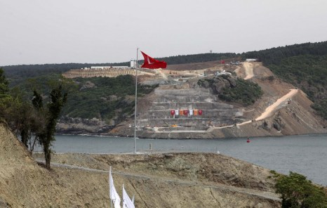 Уже третий мост в Босфорском проливе. Фото: MIRA/AFP/Getty Images