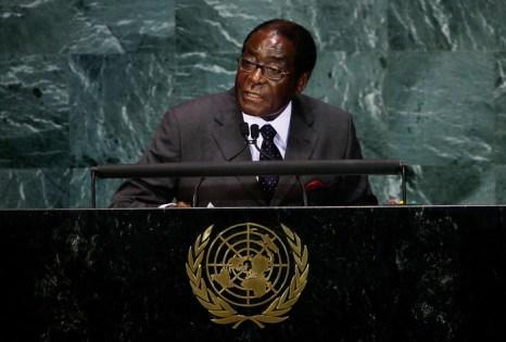 Иностранные предприятия попали под удар в Зимбабве. Президент Зимбабве Роберт Мугабе. Фото: Chris Hondros/Getty Images