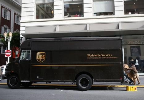 Неудачная сделка почтовых курьеров. Фото: Justin Sullivan/Getty Image