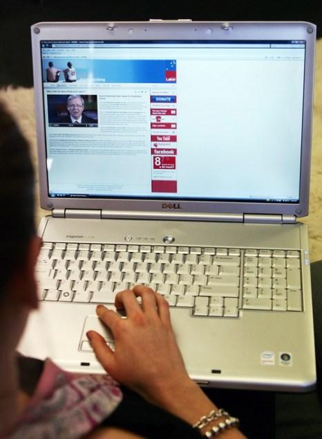 Австралийцев лишают денег мошенники в интернете. Фото: Getty Images