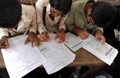 После кризиса больше всего безработных стало среди молодёжи. Фото: INDRANIL MUKHERJEE/AFP/Getty Images