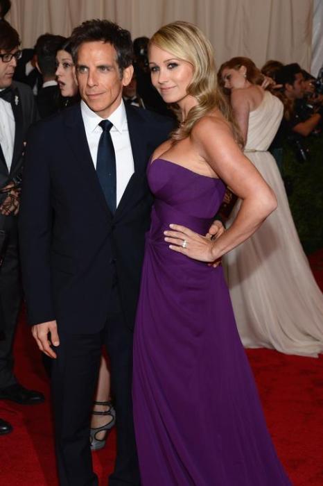 Бен Стиллер (Ben Stiller) и Кристин Тейлор (Christine Taylor)на модном событии Нью-Йорка от «Эльза Скиапарелли и Миуччиа Прада». Фоторепортаж. Фото: Dimitrios Kambouris/Getty Images