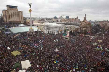 На Майдане Незалежности в Киеве состоялось Народное вече, в котором приняли участие около пятисот тысяч человек. Фото: INNA SOKOLOVSKAYA/AFP/Getty Images