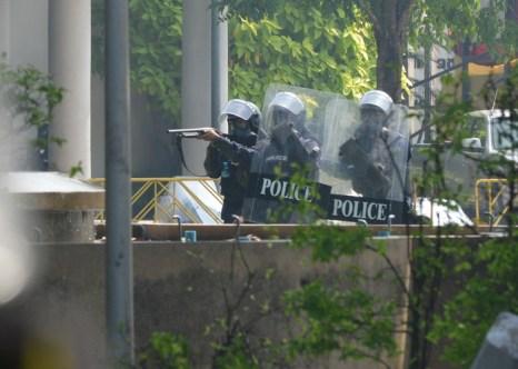 26 декабря, полицейский и один демонстрант погибли в беспорядках в Бангкоке. Фото: Rufus Cox/Getty Images