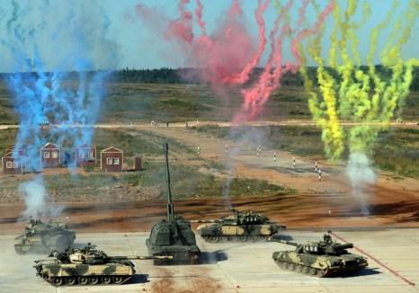 Итальянская бригада «Ариете» знакомится с танковым биатлоном. Фото: VASILY MAXIMOV/AFP/Getty Images