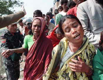 Два пассажира погибли в аварии поезда в Бангладеш. Фото: MUFTY MUNIR/AFP/Getty Images