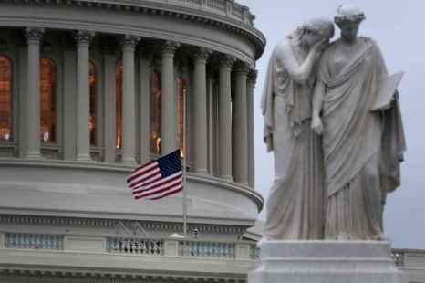 Госбюджет не смогли согласовать обе палаты конгресса США. США находятся в затруднительной ситуации. Большинство госучреждений закрыто. Сотни тысяч чиновников отправлены в бессрочные отпуска. Фото: Alex Wong/Getty Images
