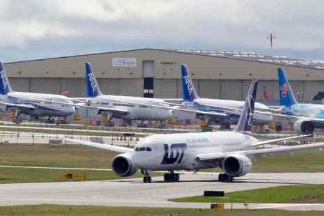 Названы самые безопасные авиакомпании мира. Фото: ERIC PIERMONT/AFP/Getty Images