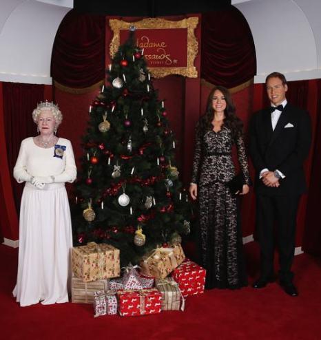 Музей восковых фигур мадам Тюссо в Сиднее пополнил свою коллекцию двойниками герцога и герцогини Кембриджских — Уильяма и Кэтрин, 19 декабря 2013 года. Фото: Don Arnold/Getty Images