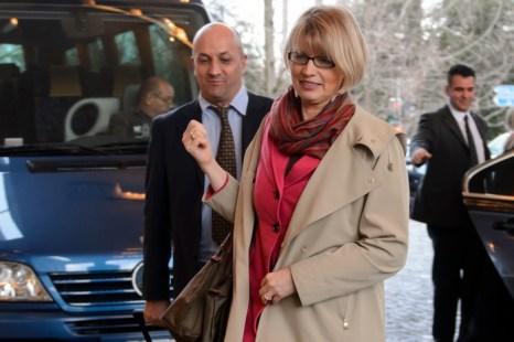Заместитель главы внешнеполитического ведомства Евросоюза Хельга Шмид  прибыла в Intercontinetal Отель в Женеве 9 января 2014 года для участия в переговорах с Ираном и мировыми державами. Фото: FABRICE COFFRINI/AFP/Getty Images