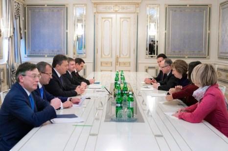 Янукович подпишет Соглашение по мирному урегулированию украинского кризиса. Фото: ANDREI MOSIENKO/AFP/Getty Images