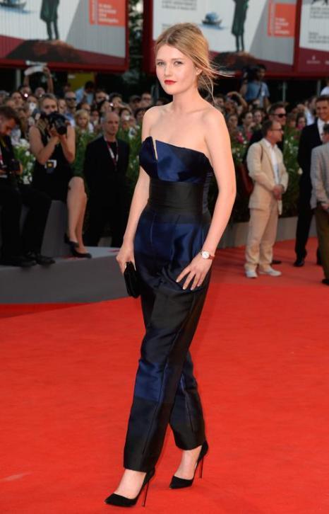 Актриса Софи Кеннеди Кларк прибыла на премьеру фильма «Филомена» (Philomena) 70-го Венецианского международного кинофестиваля 31 августа 2013 года Венеция, Италия. Фото: Pascal Le Segretain/Getty Images