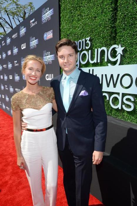 Актёры Анна Кэмп (слева) и Майкл МакМиллиан (справа). Знаменитости прибыли на церемонию «Молодой Голливуд-2013». Фото: Michael Buckner/Getty Images for PMC