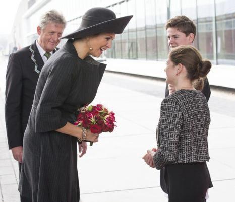 Голландская королева Максима посетила церемонию открытия промышленного центра Lely Campus 30 января 2014 года в Нидерландах. Фото: Michel Porro/Getty Images