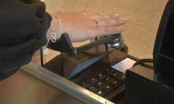 Шведский студент изобрёл прибор для оплаты покупок венами