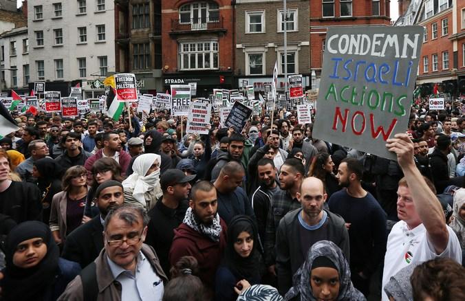 Акция, Лондон, Израиль