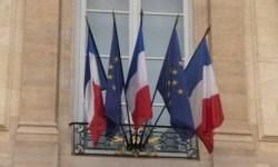 Президент Франции отправил в отставку правительство