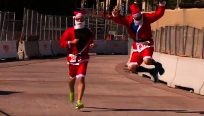 Две с половиной тысячи Санта-Клаусов пробежали по Сиднею
