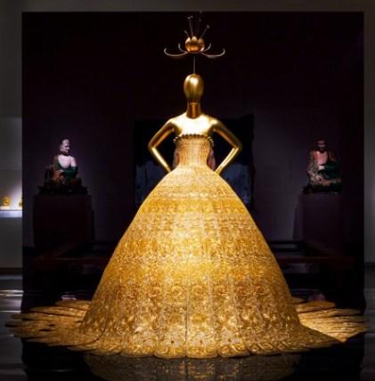Вечерний наряд дизайнера Го Пэй, коллекция весна-лето 2007 г. Фото: The Metropolitan Museum of Art