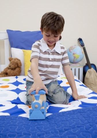 boy-play-shutterstock-40557385-WEBONLY