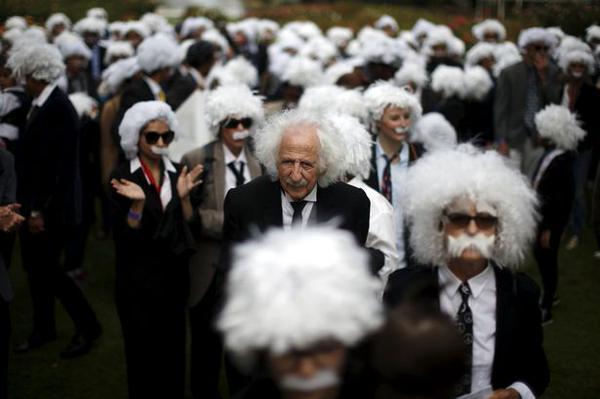 Альберт Энштейн, флешмоб, Лос-Анджелес, Книга Гиннеса