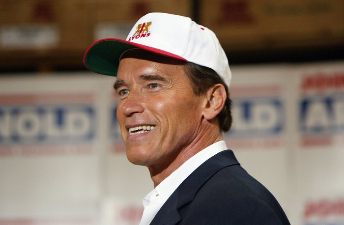 Schwarzenegger Campaigns In Fresno