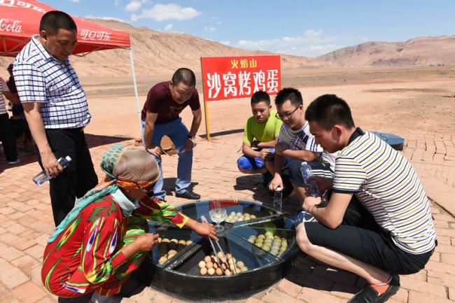 15 июля 2015 года. Район города Турфан Синьцзян-Уйгурского автономного района. Фото: epochtimes.com