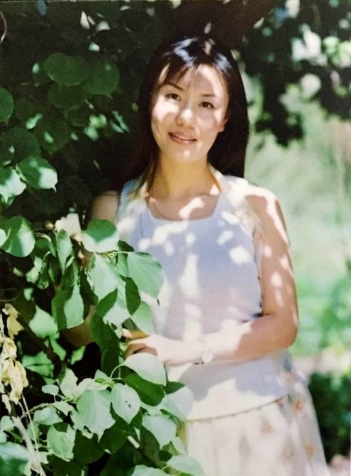 Фото Чэ Пинпин, сделанное летом 2003 года в г. Чанчуне. Фото предоставлено Ван Тинтин