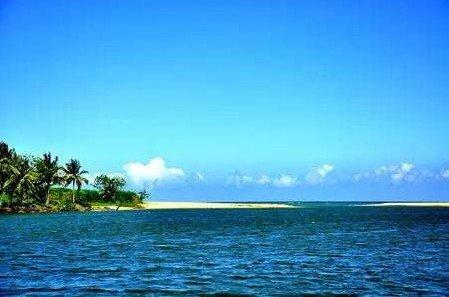 Яркое солнце и прекрасные пляжи на острове Хайнань. Фото: Secret China