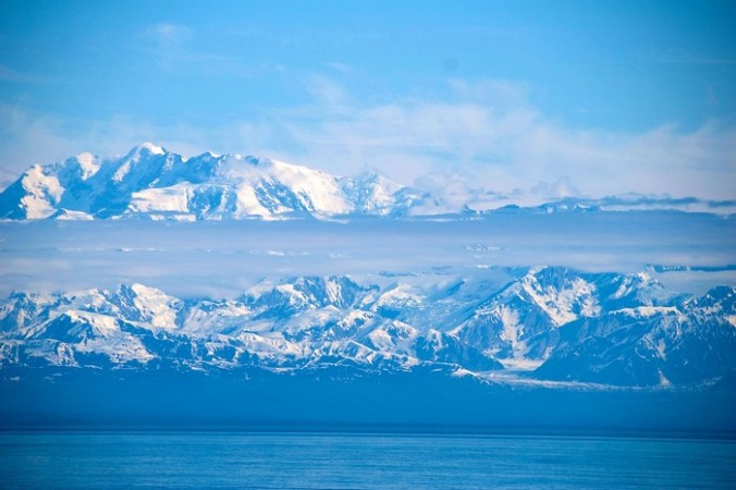 Британские учёные открыли в Антарктиде самый большой, но подлёдный каньон в мире.