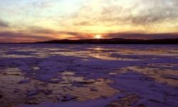 Уровень воды в Байкале упал на семь сантиметров ниже критической отметки. Специалисты прогнозируют, что вода продолжит убывать.