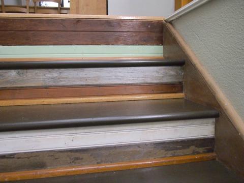 Ступеньки с деревянным покрытием. Фото: Hometalker Rita and Cane