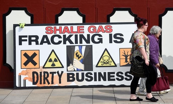 Жители Британии протестуют против фрекинга. Фото: PAUL ELLIS/AFP/Getty Images