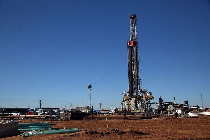 Установка для фрекинга в нефтяном городе Мидленд, штат Техас. Фото: Spencer Platt/Getty Images