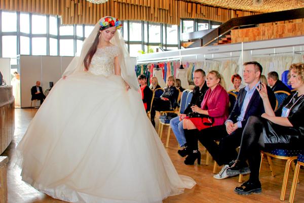 Показ свадебных платьев от Юлдуз Атаевой. Фото: Алла Лавриненко/Великая Эпоха