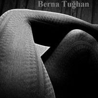 Ofiste / Berna Tuğhan