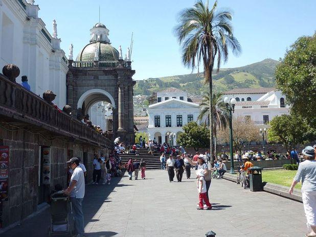 Catedral Metropolitano de Quito, Plaza de la Independencia