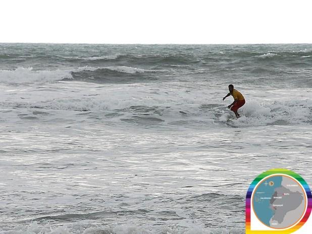 Surf-equateur-Canoa