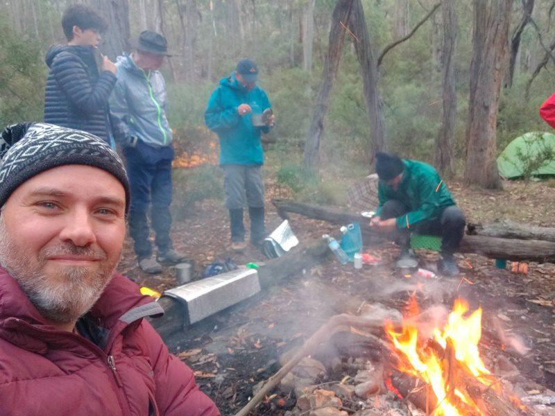 fogata de campamento