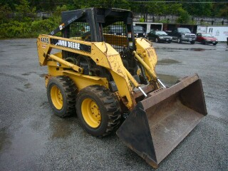 John Deere 4475, 5575, 6675, 7775 Skid Steer Loader