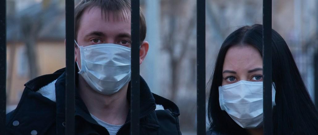 coronavirus ragazzi con mascherine