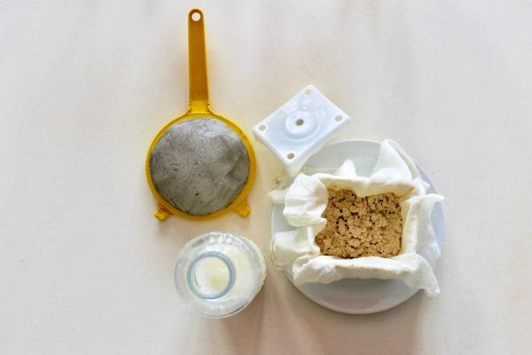 Tofu fatto in casa: procedimento base ed usi in cucina