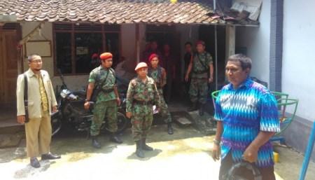 Komandan-Kokam-Jawa-Tengah-M.-Ismail-batik-biru-e1459433988772-595x340