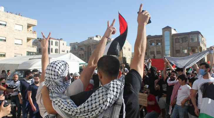 Protesters rally in Amman in solidarity with Palestine for third night