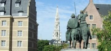 Visita a Bruselas - 2009 08 025 bruselas plaza de espac3b1a 300x139 - Visita a Bruselas