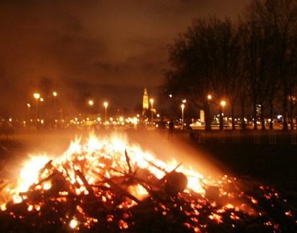 La quema de los árboles de Navidad