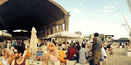 BOCADERO: playa, bar y comida