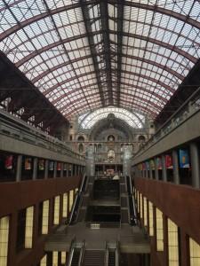 image[5] primer día: estación central de amberes - image51 e1410104816310 225x300 - Primer día: Estación Central de Amberes